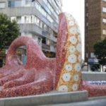 Un guiño a Gaudí en la Avenida de Gregorio Espino.
